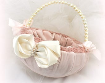 Velvet Flower Girl Basket in Blush, Rose and Ivory with Bows and Pearls, Wedding Girl Basket, Vintage Style Basket, Elegant Wedding