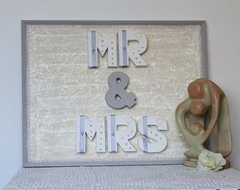 MR and MRS sign, gift for couple, romantic gift, gift for husband, gift for wife, gift for her, best friend gift, Christmas gift, wall art