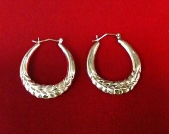 10 K Yellow Gold Hoop Earrings. 3.3 GM.