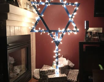 Wooden Star of David Stand