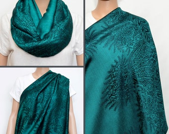 Nursing Scarf, Green Emerald Infinity Scarf with floral pattern / Nursing cover, Breastfeeding cover, Breastfeeding scarf