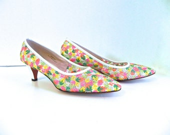Vintage 60s Pumps Embroidered Mod Shoes Dead Stock US 9 - on sale