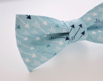 Mens Bowtie- Arrows in Turquoise