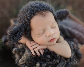 Baa Baa Black Sheep Bonnet (Newborn- 24 mo sizes)