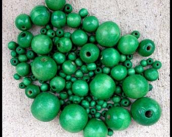 125 GREEN Wood Beads