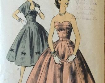 """RARE 7704 Advance (1956). Junior dress & bolero.  Size 15, Bust 33"""". Complete, unused, FF. Excellent, pristine condition."""