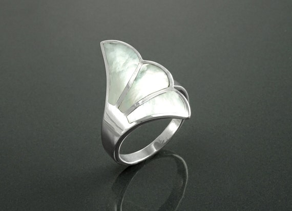 Pearl shell Fan Ring, Sterling Silver, Flat Stone Ring, MOP Jewelry, Fanned Wave Wing, Unique Band Ring, Original Art Nouveau Designer Ring