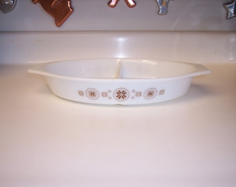 Vintage Pyrex divided dish casserole in Town and Country pattern