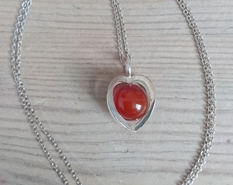 Vintage sterling silver carnelian pendant and chain