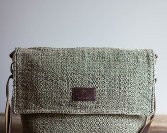messenger bag women / small crossbody bag / messenger bag / crossbody bag / cross body bag / messenger bags / crossbody purses / crossbody