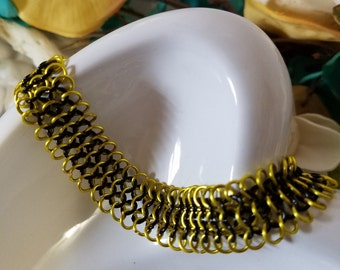 European 4 in 1 chainmaille Bracelet - Black and Lemon (yellow)
