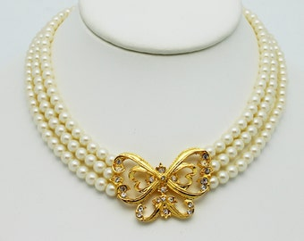 Vintage Avon Butterfly and Faux Pearl Necklace