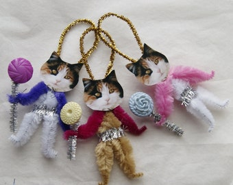 Ser of 3 Chenille Ornaments, Easter Cats, Calico Cats, Vintage Style Primitive  (201)
