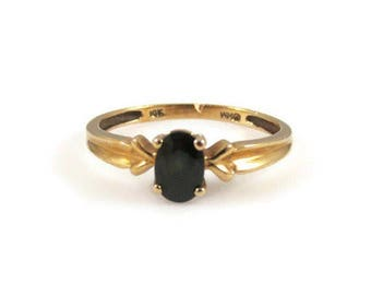 Faceted Black Stone and 10k Yellow Gold Ring - Size 7.5