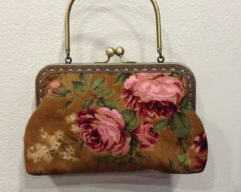 Adorable clutch bag lined with silk rose