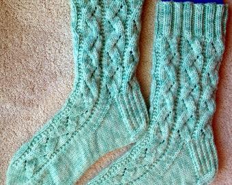 Hand Knit Womens Cashmere-Wool Blend Socks (S-225)