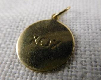 WW) Vintage 14K Gold XOX Charm