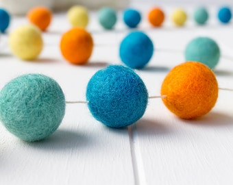 Wool Felt Ball Garland. Orange Aqua Pom Pom Garland. Kids Room Decor. Nursery Bunting. Birthday Party Garland. Nursery Decor. Gender Neutral