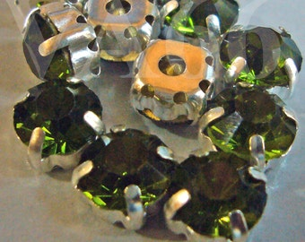 Olivine Green Col Round Rose Montee Faceted Sew On Acrylic Glass Look Rhinestone Beads 9mm 15p Vintage Look 4 hole Pronged Silver Diamond