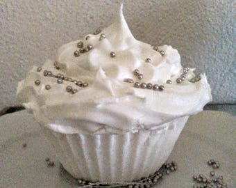 Bath Bomb-Winter Wedding Vanilla Cupcake