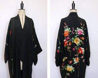 Vintage 1920s embroidered kimono - 20s embroidered floral kimono - 1920s kimono wrapper - Japanese kimono - 20s robe - 20s flapper robe