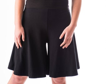 The Tinute knee length skort in bamboo jersey