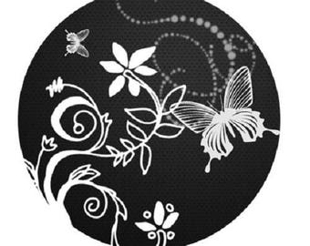 Butterfly and flowers (black and white), 20mm