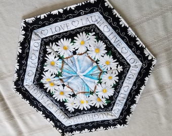 Daisy Table Topper:  Free Shipping!