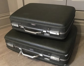 Vintage American Tourister Luggage 2/set