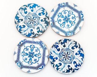 Set of 4 round cork coasters with Azulejos - portuguese tiles.