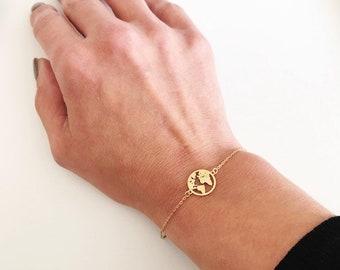 World map bracelet, earth bracelet, Globe bracelet, graduation gift, Gold map bracelet, map pendant, globe charm, Map bracelet,Dainty gift