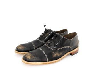 vintage inspired 1920s black beat up bespoke shoes for men  FREE WORLDWIDE SHIPPING