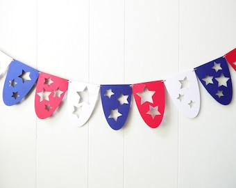 Garland Paper Scallop - 4th of July Decor - Red White and Blue Bunting - Garland - Summer Wedding - Patriotic - Labor Day Decor Stars