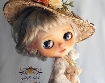 "OOAK Custom Blythe Art Doll ""Sienna"" with bob cut Ash Blonde hair with open mouth little teeth~ by @Blythebebek ブライス 브라이스"