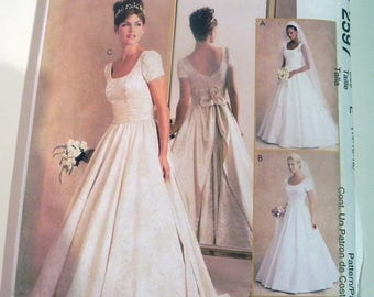 "Wedding Dress Bridal Gown Train Fit and Flare Short sleeves sleeveless sewing pattern Alicyn McCalls 2597 Size 14 16 18 Bust 36 38 40"" UNCUT"