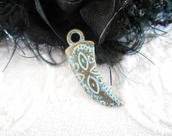 x 1 pendant charm 28 mm Horn beef patinated bronze metal.