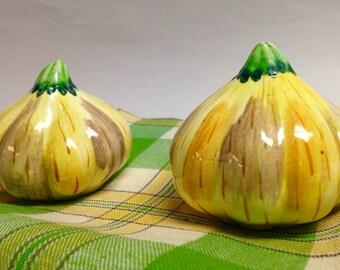 Vintage Japan Porcelain Ceramic Garlic Bulb Salt and Pepper Shakers