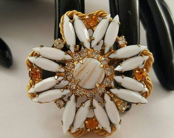 White Glass & Fluss Stone Pin