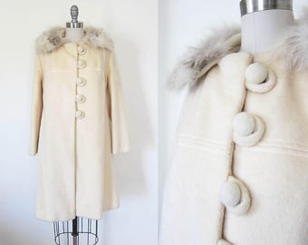 1960s vintage cream ivory silver grey fur collar button front long coat jacket m