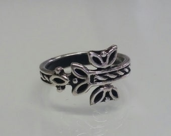 Floral Ring, Solid Sterling Silver Ring,Oxidized 925 Silver, Antique Style,  Ring for women. Gift for Her, Designer Ring