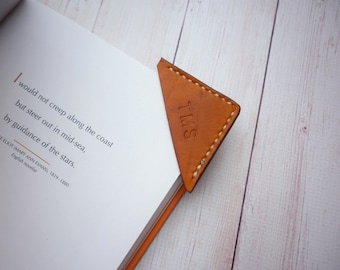 Personalized Leather Bookmark Corner, Custom Initial leather page marker, Personalised Gifts for Booklover, Gifts for bookworms