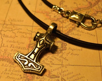 Free Shipping, Leather Necklace, Thor's Hammer, Mens Necklace, Mens Jewelry, Mens Gift, Pendant, Distresed Cord