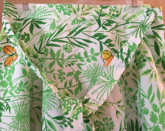 Vtg Wrap skirt Size Small/Medium Floral Summer Skirt Hand sewn White and Green
