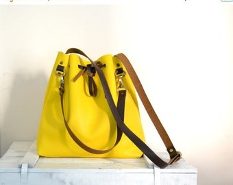 SALE 15% Leather Bucket Bag, Bucket Tote Bag, Leather Tote, Wife Gift, Bucket Crossbody Bag,  Womens Gift, Gift For Her, Pastel Yellow Handb