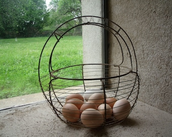 vintage french wire eggs salad basket , very nice condition , french rustic kitchen , french style , garden decor
