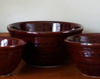 Vintage Beautiful Set  Mar-crest Brown Daisy Dot Stoneware Nesting Set of Three Mixing Bowls Ovenproof-U.S.A.