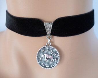 velvet choker, taurus choker, taurus necklace, stretch ribbon, black velvet, star sign, zodiac charm