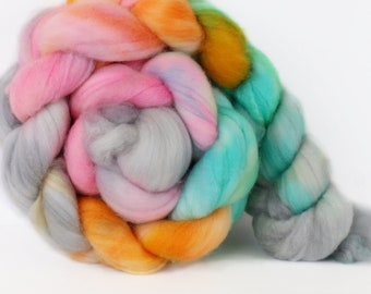 Chakra 4 oz Merino softest 19.5 micron Roving Top for spinning