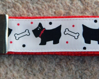 Scotties & Bones Keyring -  Scottie Dog / Scottish Terrier