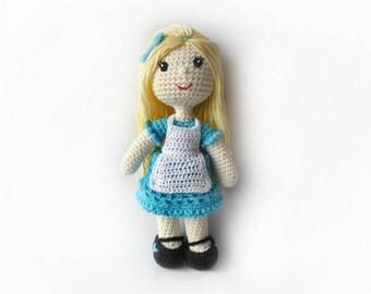 Alice in Wonderland Doll Amigurumi